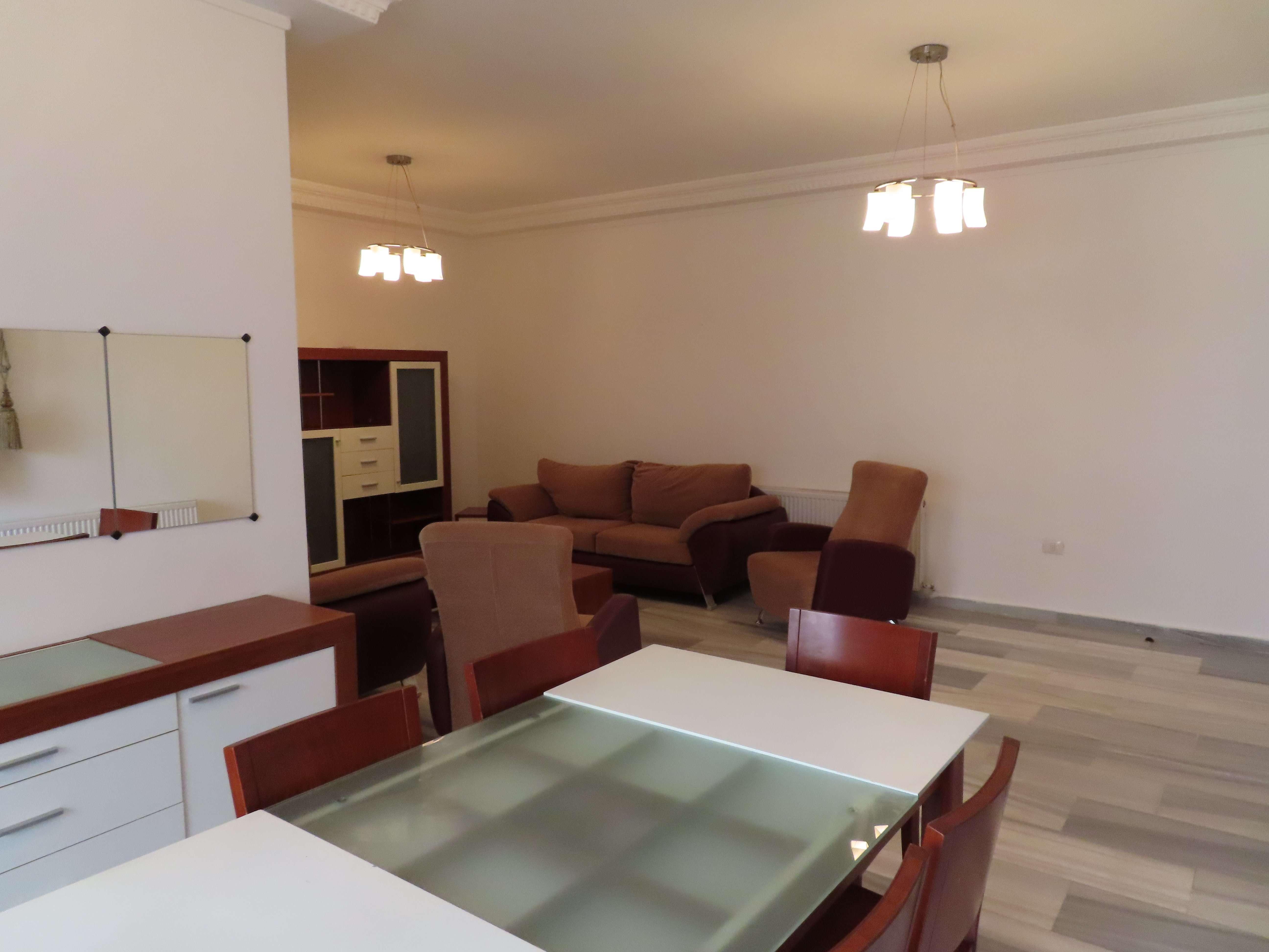 شقة مفروشة للإيجار قرب كوزمو السابع مناسبة لعائلة صغيرة